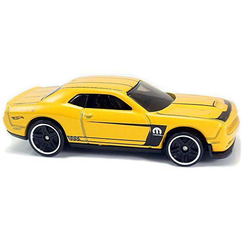 15 Dodge Challenger Srt - Carrinho - Hot Wheels - Muscle Mania - 4/10 - 143/365 - 2017 - Nq4ms