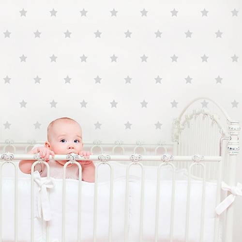 Adesivo Decorativo Infantil Stixx Estrelas Poá Cinza com 103 Unidades (7x7cm)