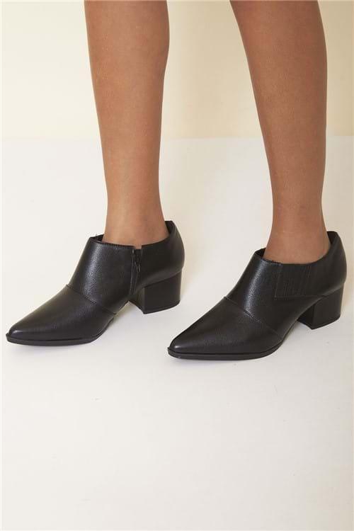 Ankle Boot Bico Fino - Preto Tamanho: 35