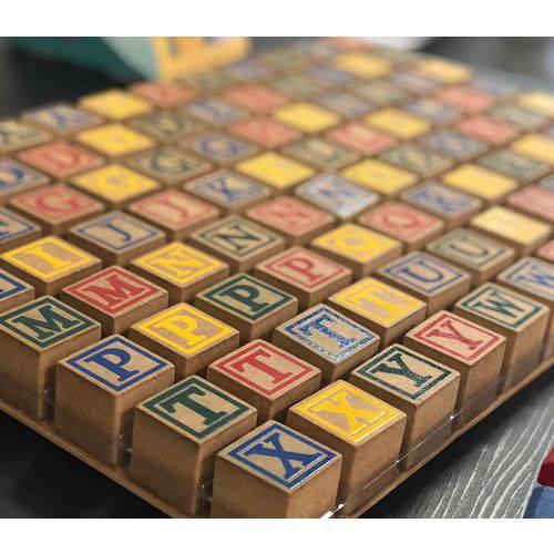 Blocos de Letras com 48 Cubos Coloridos