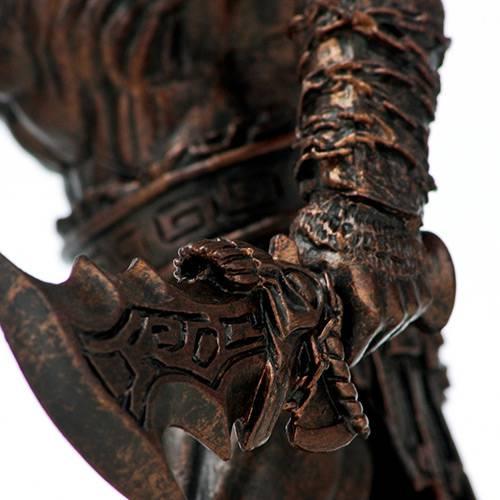 Box Especial God Of War - Omega Collection - Edição com 5 Jogos da Saga + Estátua Colecionável do Kratos