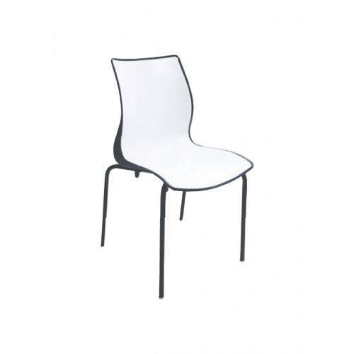 Cadeira com Encosto Fechado e Pernas Pintadas Maja Summa Branca/Preta