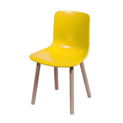 Cadeira Duomo com Pés em Madeira e Acento em Polipropileno na Cor Amarelo