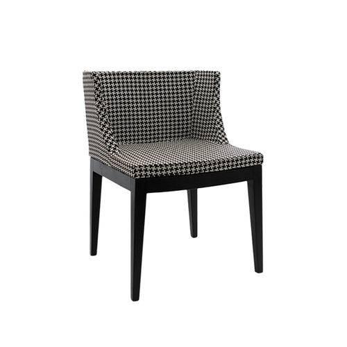 Cadeira Senhorita Tecido - Tecido-xadrez-base-madeira-esc