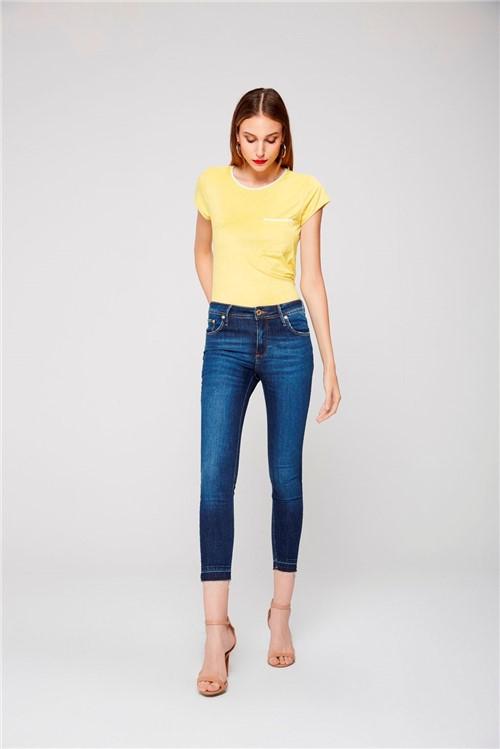 Calça Cropped Jeans com Barra Desfiada