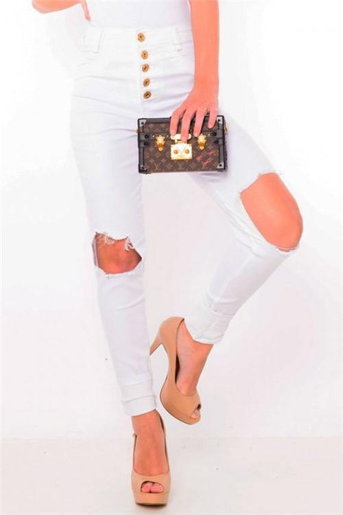 Calça Feminina Hot Pants com Botões Branca CL0359 - Kam Bess