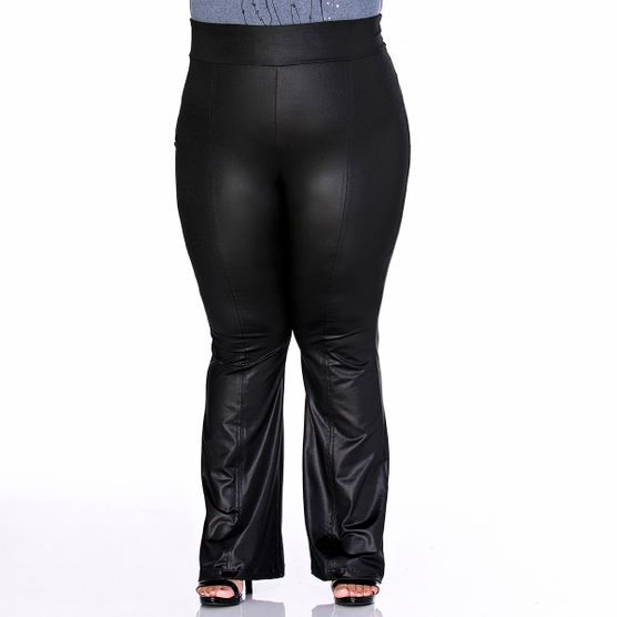 Calça Flare Plus Size em Cirrê com Recortes