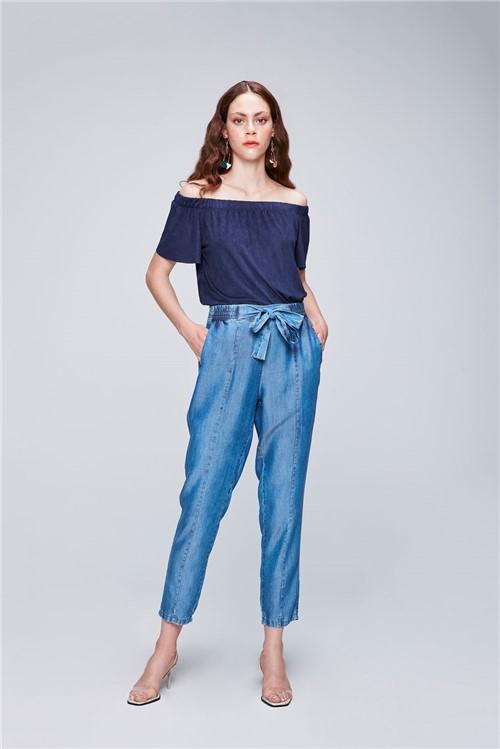 Calça Jeans Cropped com Amarração