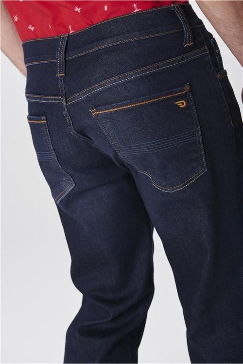 Calça Jeans Reta com Estampa no Bolso