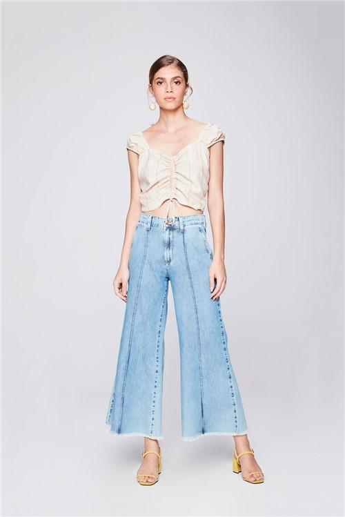 Calça Pantalona Jeans Cropped com Frisos