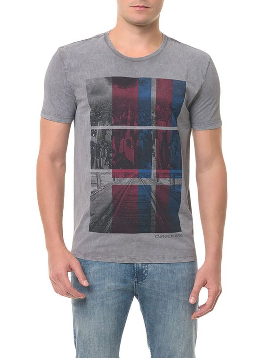 Camiseta CKJ MC Estampa Cidade Chumbo CAMISETA CKJ MC ESTAMPA CIDADE - CHUMBO - P