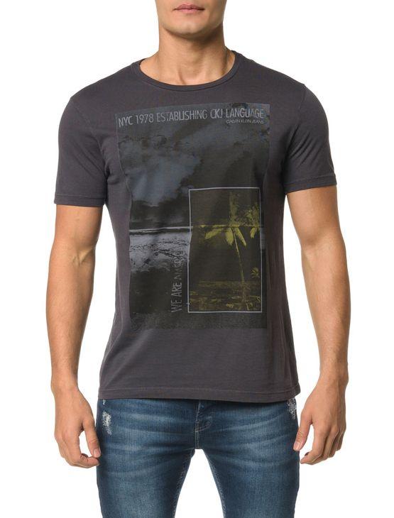 Camiseta CKJ MC Estampa Praia Quadrados - PP