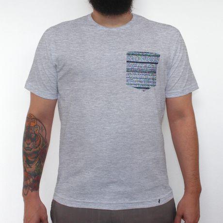 Chuvisco - Camiseta Clássica com Bolso Masculina