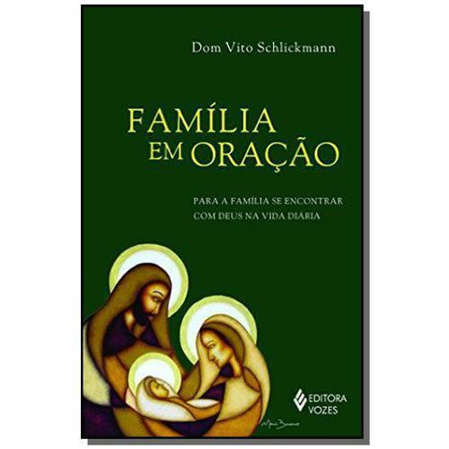 Familia em Oracao