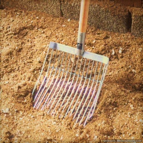 Garfo Forcado de Aço para Limpeza de Baias