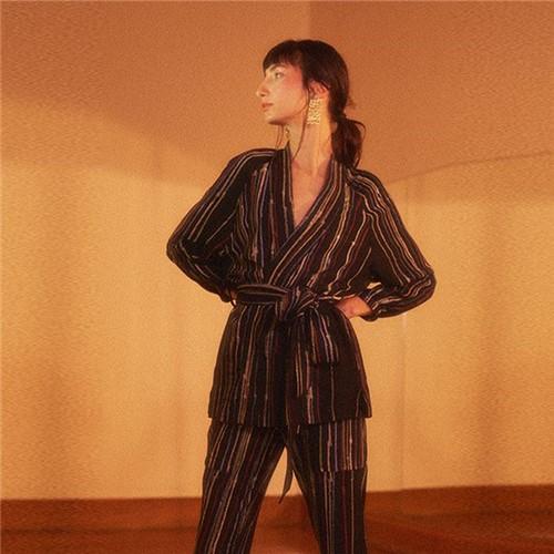 Kimono Ateliê + Kimoh - Crepe Preto - U