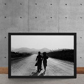 Quadro Decorativo Charles Chaplin Paulette Goddard Casal na Estrada 25x35