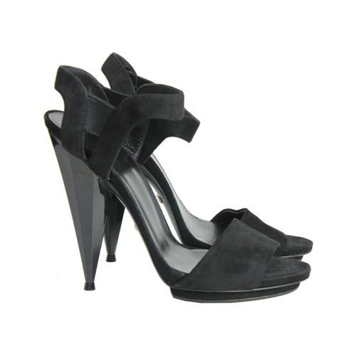 Sandália de Salto Gucci Diamante Preta