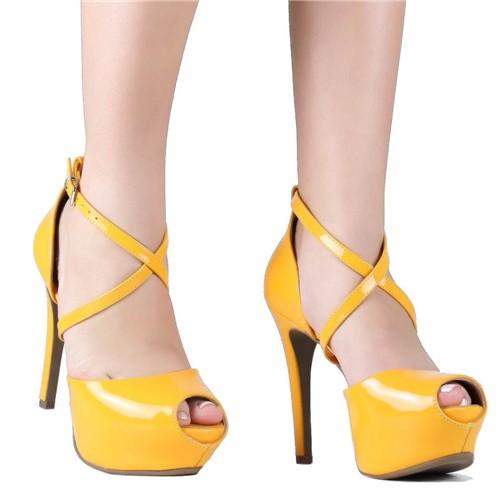 Sandália Meia Pata Bebece Salto Fino com Tiras Amarelo