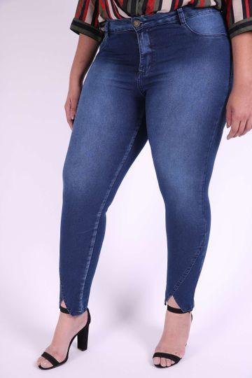 Skinny Jeans com Recorte na Barra Plus Size 48