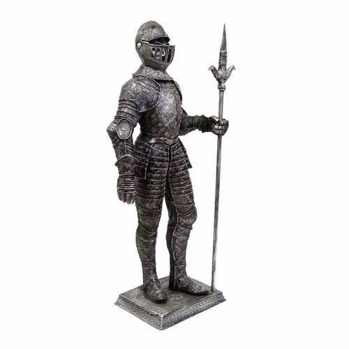 Soldado Medieval Gigante com Lança e Armadura Decoração.