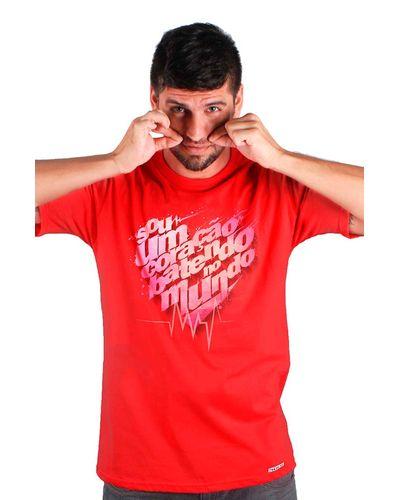 T-shirt Coração Batendo no Mundo