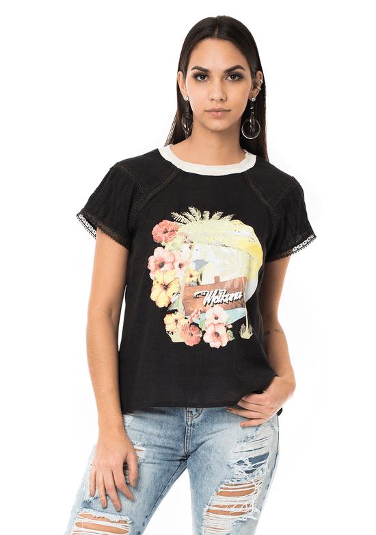 T-shirt Estampada com Detalhe