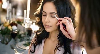 Truques de Maquiagem: Proporções, Manobras e Equalizações com Duda Molinos