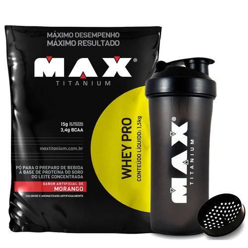 WHEY PRO Refil (1,5kg) Morango + Coqueteleira Max Titanium