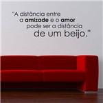 Adesivo de Parede Frase - um Beijo - N3001