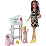 Barbie Babysitter Banheiro com o Bebê - Mattel