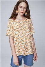 Blusa com Estampa Tropical Feminina