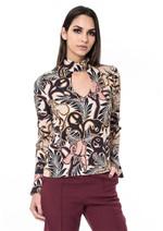Blusa de Viscose Detalhe Decote - Nude Folhas e Flores Ornamentais Gg