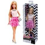 Boneca Barbie Fashionistas Loira Roupa Fashion Cor de Rosa - Mattel / Ano de Fabricação: 2014