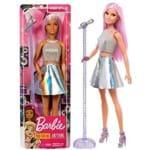Boneca Barbie Profissões Cantora Estrela Pop Star - com Cabelo Cor de Rosa e Roupas Prateadas - Acompanha Como Acessórios um Pedestal e um Microfone - Mattel