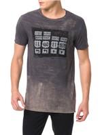 Camiseta Calvin Klein Jeans Estampa Placas Surtom Grafite - P