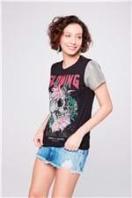 Camiseta com Mangas Metalizadas