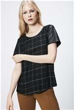Camiseta Feminina Xadrez e Resinado