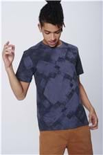 Camiseta Masculina Estampa Geométrica