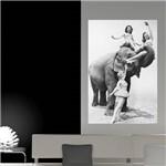 Painel Adesivo de Parede - Garotas e Elefante - N1168