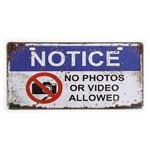 Placa de Metal Decorativa no Photos Or Video - 30 X 15 Cm