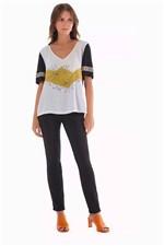 T-Shirt Maria Valentina Floral com Silk Off White Tam. P