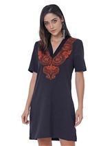 Vestido de Linho com Bordado Manual